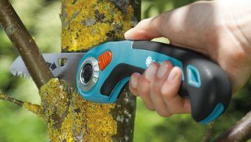 Cữa gỗ cầm tay lưỡi gập 135P Gardena 08742-20